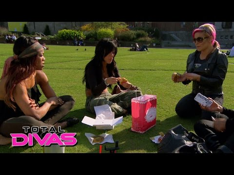 Alicia Fox opens up to the Divas about her feelings for Barrett: Total Divas: August 4, 2015