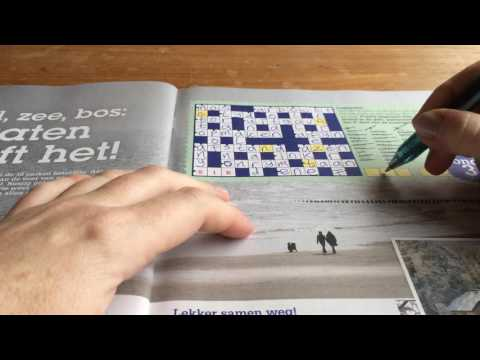 ASMR making puzzles and whispering in Dutch