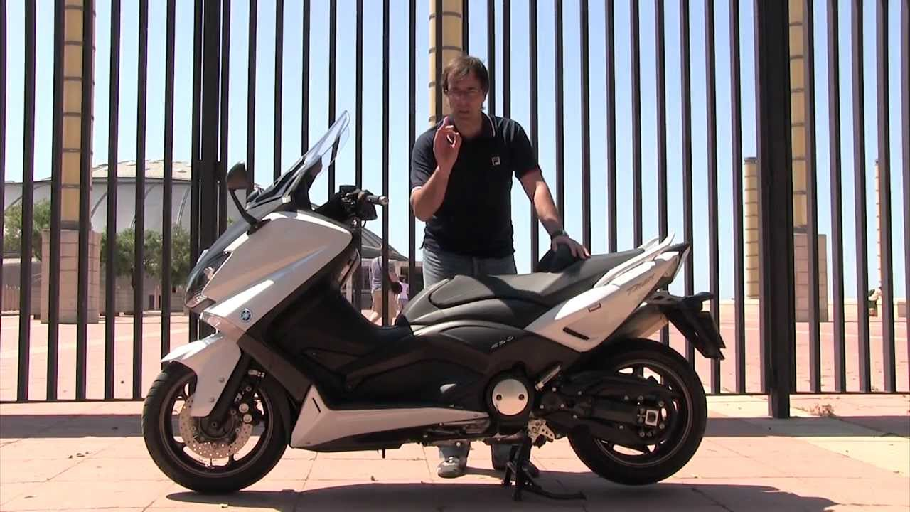 motosx1000 test yamaha t max 530 doovi. Black Bedroom Furniture Sets. Home Design Ideas