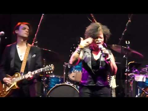Mad Dogs & Dominos ft Tawatha Agee - Respect Yourself 2-7-14 Highline Ballroom, NYC