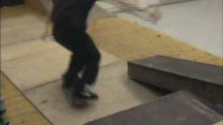 Stirl Pojat kiuruvesi Trailer2003