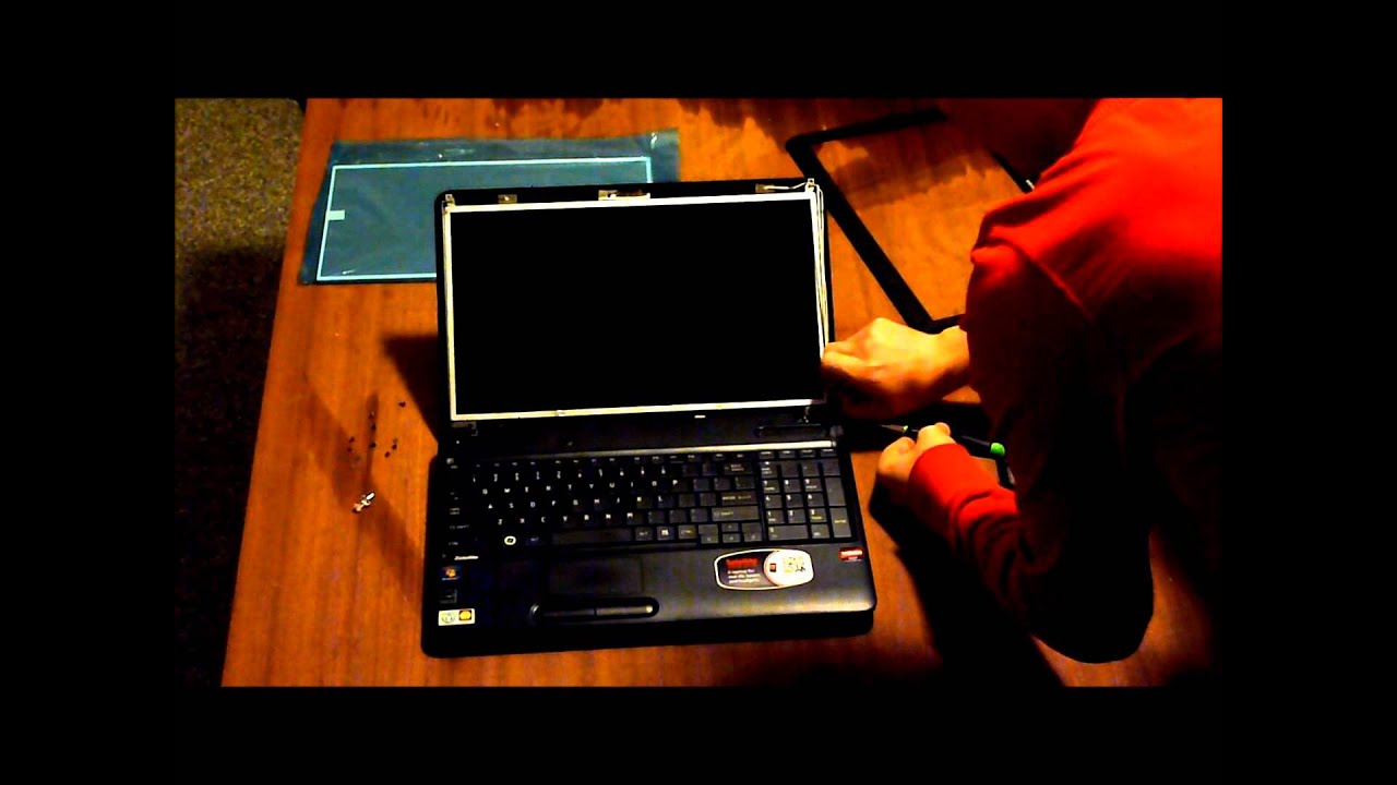 How to replace laptop screen Toshiba Satellite C655D-S5136 - YouTube