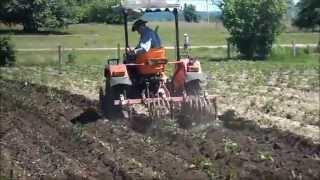 Копия видео Прополка картофеля.wmv(Прополка картофеля минитрактором китайского производства., 2012-10-23T13:28:54.000Z)
