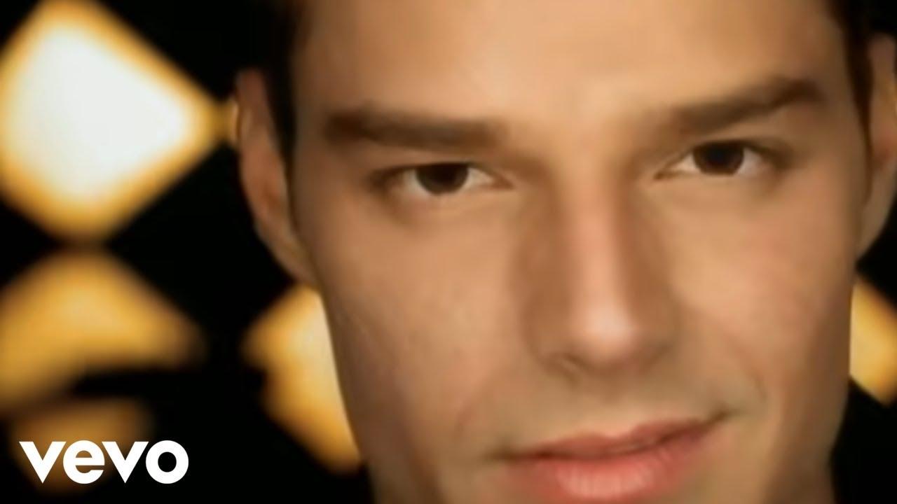Download Ricky Martin - Livin' La Vida Loca (Spanish)