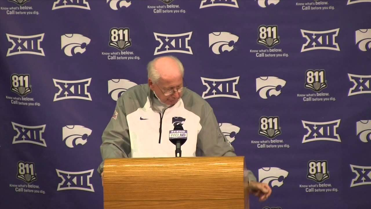 K-State Coach Bill Snyder reacts to losing 55-0 To OU - YouTube