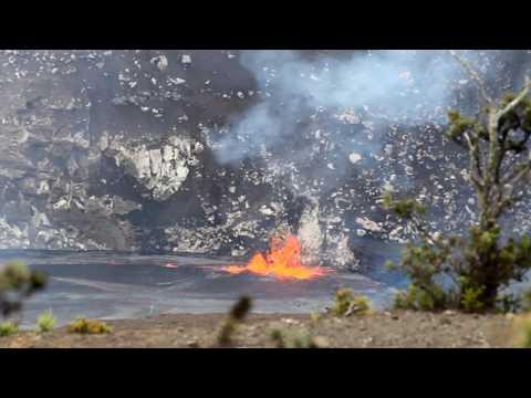 Awsome !! Kilauea Eruption at Hawaii Volcanoes National Park 09/10/16