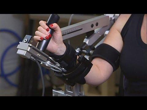 Quand les victimes d'AVC sont aidés par des robots - hi-tech