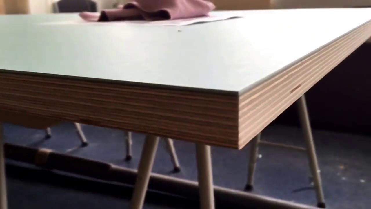 bordplade i linoleum med forbo desktop 4180 aquavert youtube. Black Bedroom Furniture Sets. Home Design Ideas