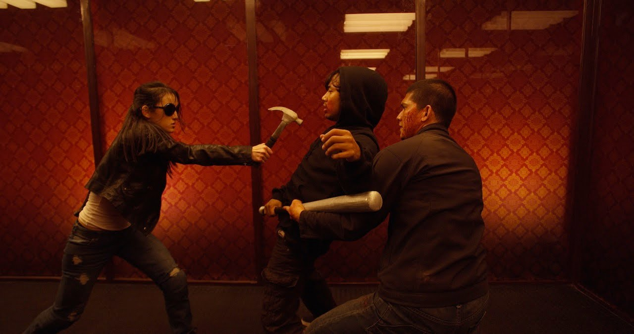 Girl N Boy Fight Wallpaper The Raid 2 Berandal Rama Vs Hammer Girl And Baseball