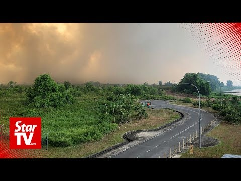 Forest fire raging fiercely at Sarawak-Brunei border