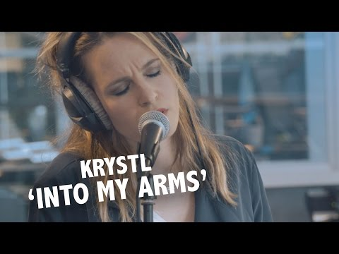 Krystl - 'Into My Arms' (Nick Cave cover) Live @ Ekdom In De Ochtend
