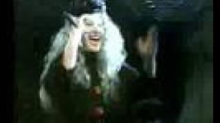 Алла Пугачева Осторожно листопад Москва 2000 Live