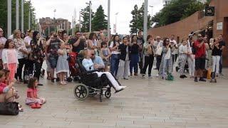 Flash Mob - Singing