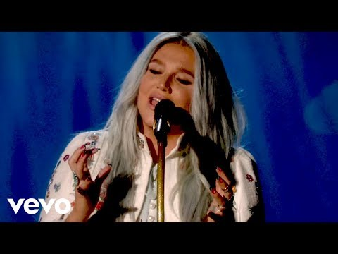 Kesha  Praying  Performance @ YouTube