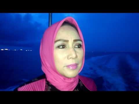 Video Wawancara kepada Hj.Farida H Saad SE, Anggota DPRD Prov.Riau di Speed Boat Hendak menuju Reses