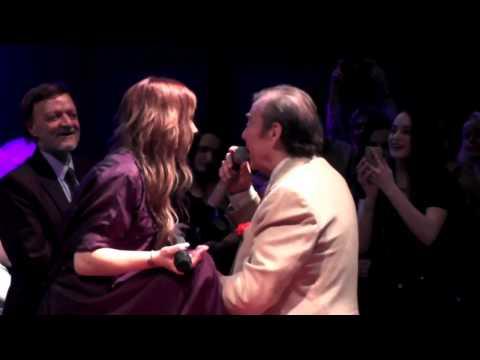 Μελίνα Ασλανίδου      Melina Aslanidou invited Tolis Voskopoulos to sing at Votanikos Plus