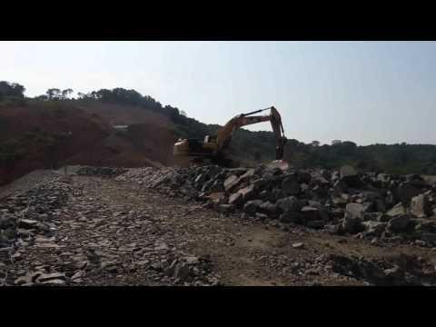 embankment dam edge on construction