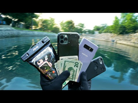 Found Stupid Amount of Stuff Underwater In River (Scuba Diving)