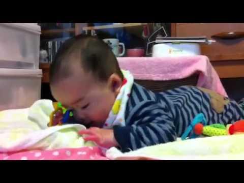 赤ちゃん 頭 を 振る