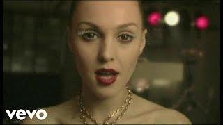 Смотреть клип Tamta - Τάμτα - Μια Στιγμή Εσύ Κι Εγώ