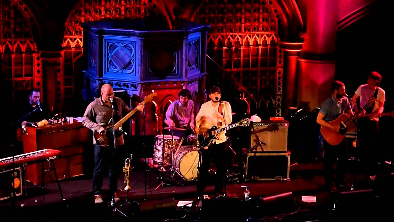 the-bees-i-really-need-love-union-chapel-london-feb-2011-drink8acedrink