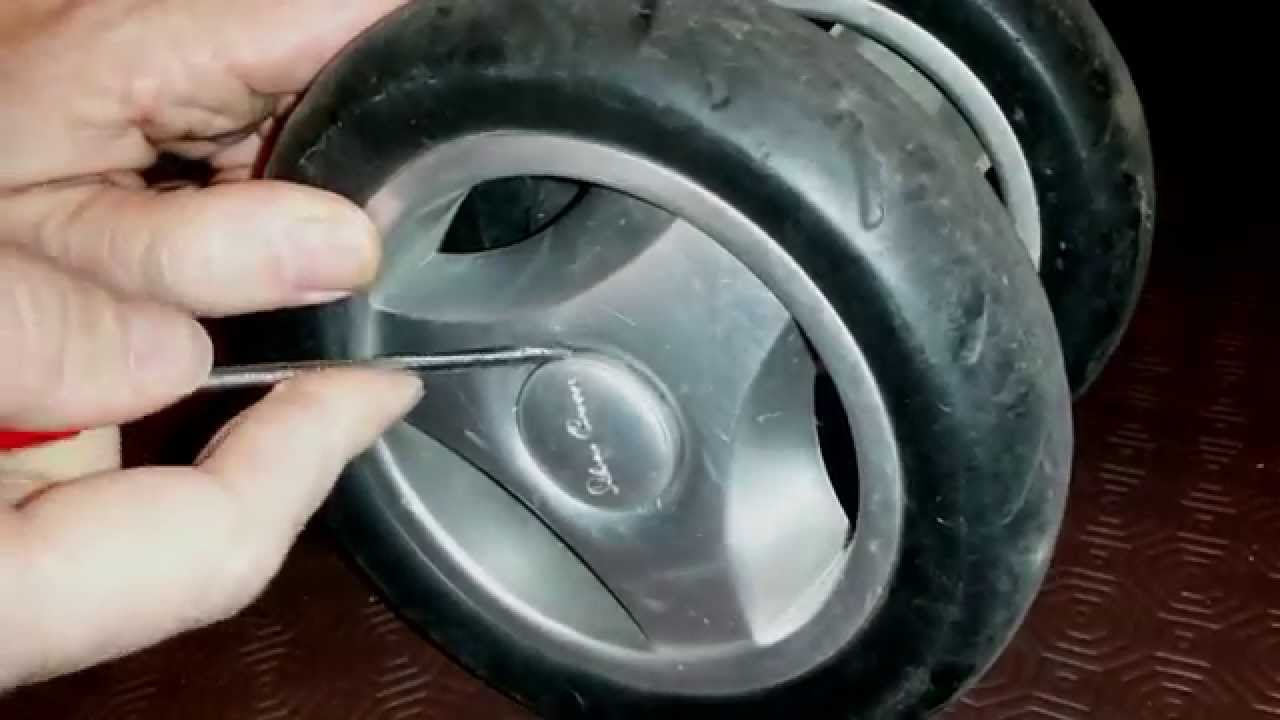 How to remove the wheel from the stroller