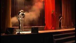"""Музыкальный спектакль о жизне и творчестве Фредди Меркьюри """"Шоу должно продолжаться"""""""