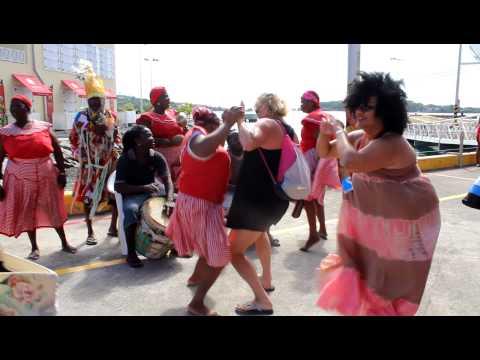 Delicious Dancing in Isla Roatan Honduras. 8/12