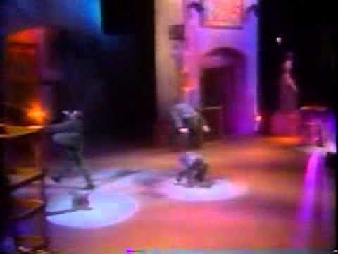 GOD DAMN BOBBY THE KING OF R&B!!!!! (1990 MTV Awards)