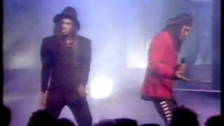 Milli Vanilli - Girl You Know Its True TOTP 1988 (Original Broadcast)