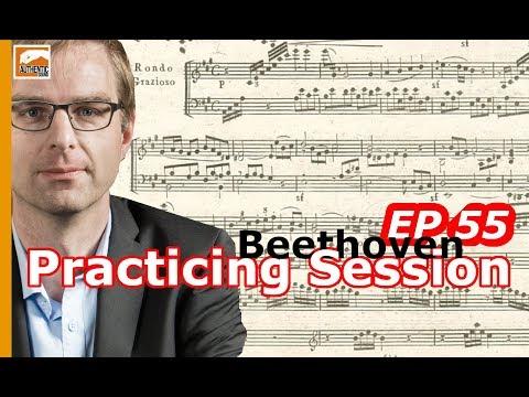 Practicing Beethoven's Rondo of his Piano Sonata nr.2 in A Major