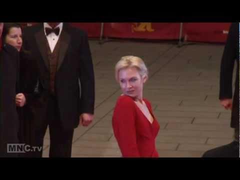 Movie Star Bios - Renee Zellweger