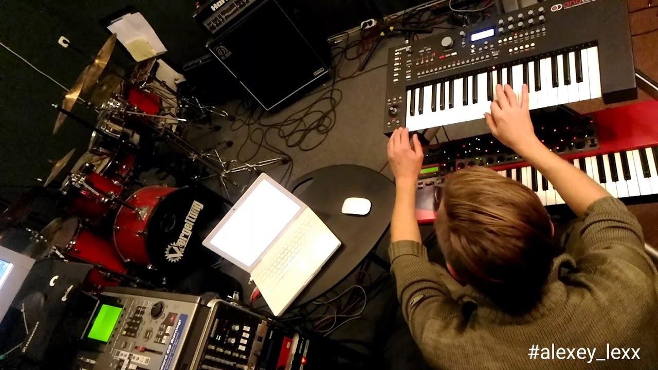 Zero Cold - studio LIVE. Elektron Analog  Keys + Nord lead + Nord modular G2 engine. Melodic techno.