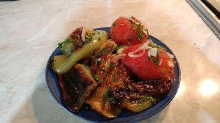 Жареные баклажаны с помидорами и болгарским перцем