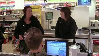 Geld voorschieten in supermarkt | Wie goed doet... thumbnail