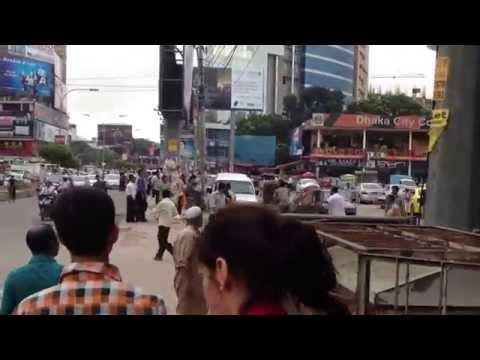 Walking the streets of Gulshan, Dhaka, Bangladesh