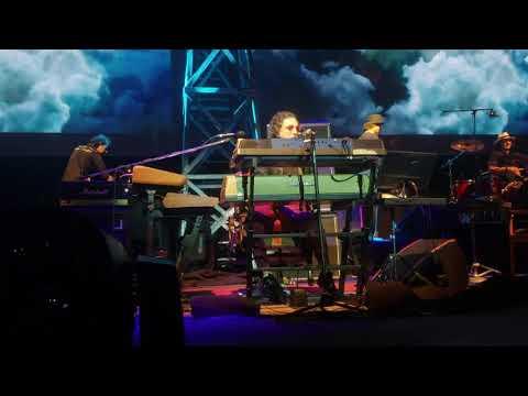 Charly Garcia canta Parte de la Religion en el Luna Park 11-12-2019