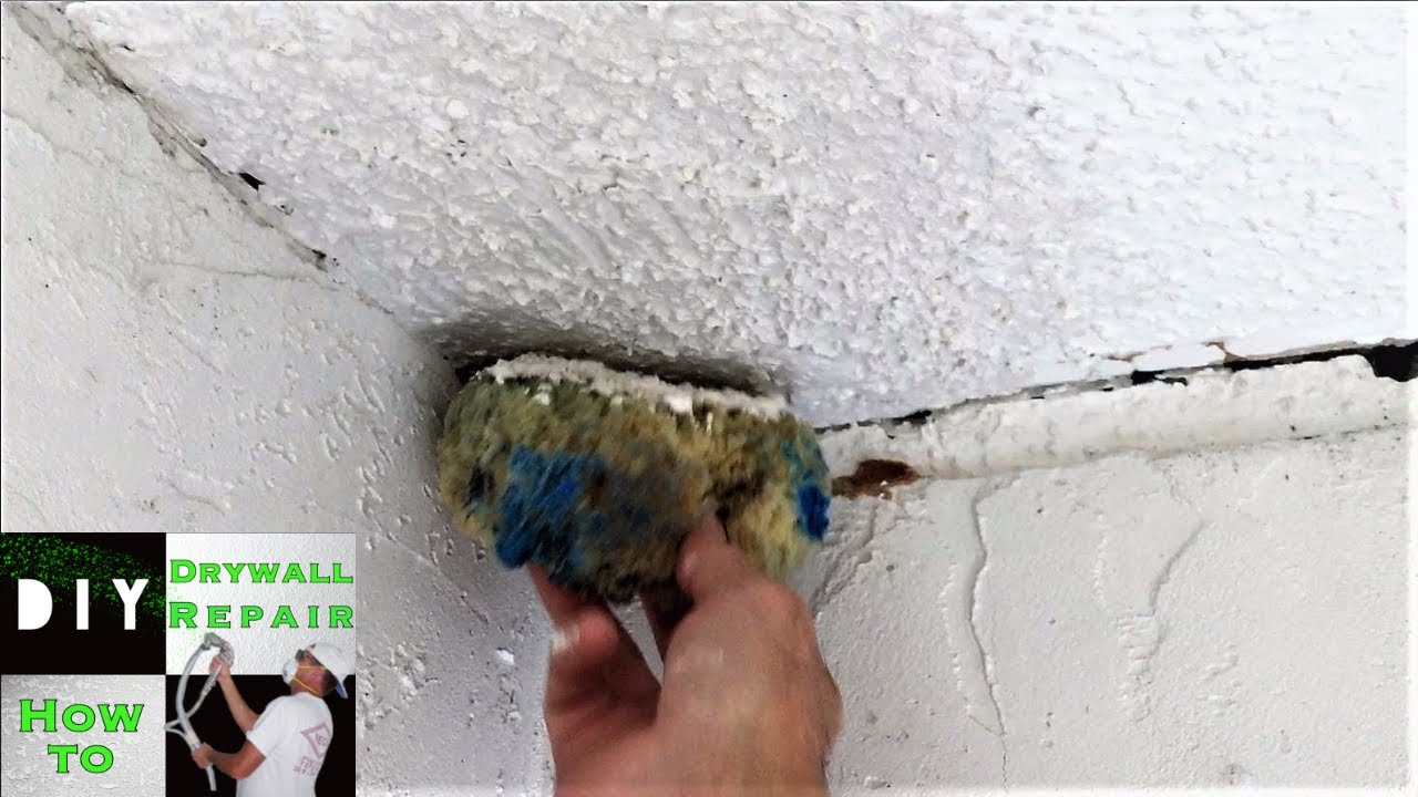 Diy How To Blend Popcorn Texture With A Sponge On Ceiling Repair
