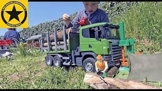 BRUDER LUMBER JACK Scania R-Series Logging Truck Outdoor Action