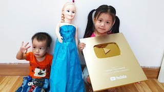 Van and Nam Unboxing Gold Play Button and be Rewarded Toys by Papa, BaBiBum