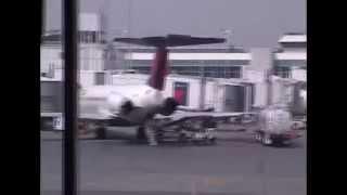 LaGuardia Airport Spotting & iPads in Delta
