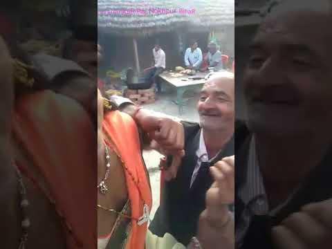 Kon Kahta Hai Ki Budhe Pyar Nahi Karte