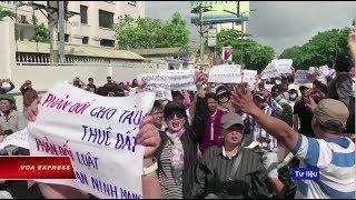 Truyền hình VOA 11/7/18: Người sử dụng Việt muốn Facebook trả lời về 'hợp tác' với chính quyền