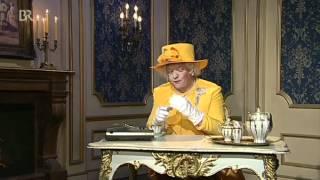 Helmut Schleich als Queen Elizabeth II.