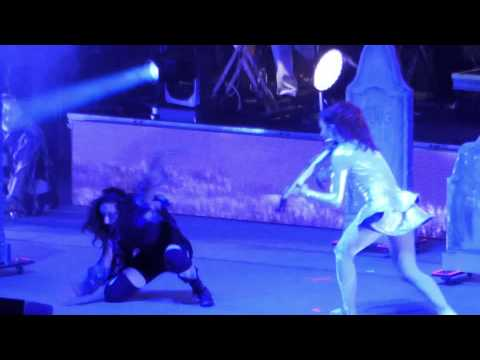 Lindsey Stirling, with Zombies, Moon Trance, Live ...