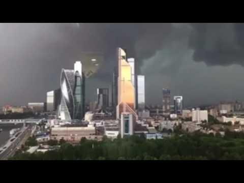 Москва. Ураган. Сильный