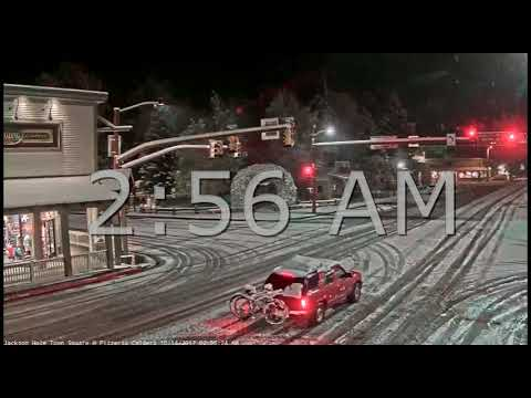 Jackson Hole Wyoming Town Square❄ Snowfall 10/14/2017 🚗 Red Car