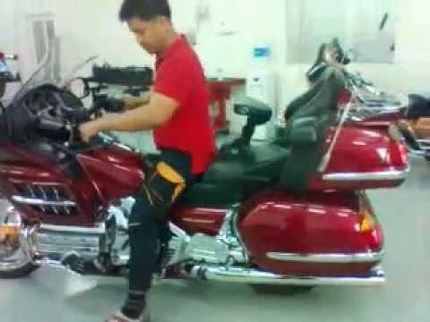 Honda Goldwing Gl 1800 Electric Powered Reverse Youtube