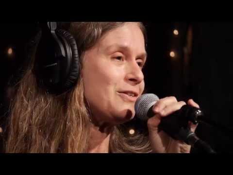 Juana Molina - Ay, No Se Ofendan (Live on KEXP)