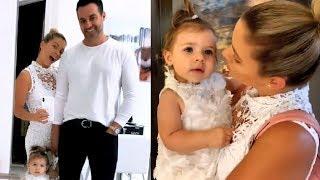 Ximena Duque pasa tiernos momentos con su hija Luna, su esposo Jay y su perrito Oreo